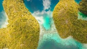 Laguna tropical de la visión aérea, mar, playa Isla tropical Siargao, Filipinas metrajes