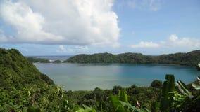Laguna tropical, mar, playa Isla tropical Catanduanes, Filipinas almacen de metraje de vídeo