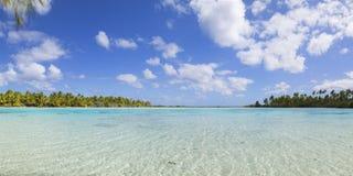 Laguna verde, Fakarava, isole di Tuamotu, Polinesia francese Fotografie Stock Libere da Diritti