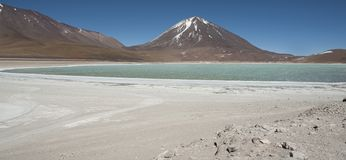 Laguna Verde is a highly concentrated salt lake located in the Eduardo Avaroa Andean Fauna National Park. At the foot of the Licancabur volcano, Sur Lipez Stock Photos