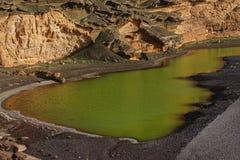 Laguna verde nell'isola di Tenerife immagine stock