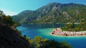 Laguna y playa azules de Oludeniz metrajes