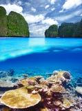 Lagune avec la vue sous-marine de récif coralien Photo stock