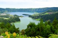lagune bleue de lagune de 7 cidades, laggon vert Photos libres de droits