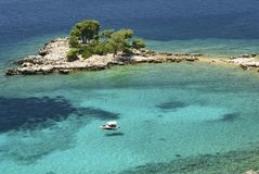 Lagune bleue en Croatie Photographie stock libre de droits