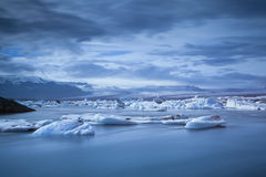 Lagune de glacier de Jokulsarlon. Photo stock