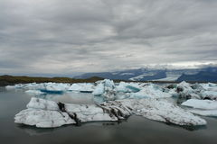 Lagune de glacier de Jokulsarlon, Islande Photographie stock libre de droits