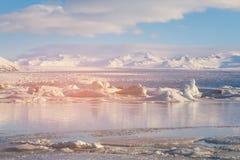 Lagune de Jakulsarlon de saison d'hiver, Islande Images stock