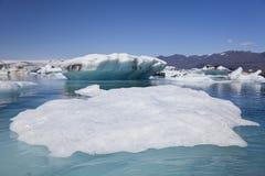 lagune de jokulsarlon de l'Islande d'icebergs Image libre de droits
