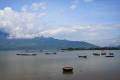 Lagune de Lap An, ville de Lang Co, Hue, Vietnam photographie stock libre de droits