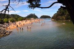 Lagune de plage de Kaiteriteri, Nouvelle Zélande Photos stock