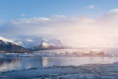 Lagune de saison d'hiver de Jakulsarlon Images libres de droits