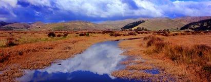 Lagune im Herbst stockbilder