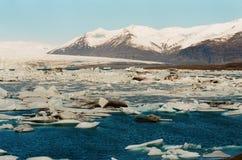Lagune jokulsarlon i islande Arkivfoton