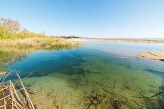 Lagune in Marina di Cardedu lizenzfreie stockbilder