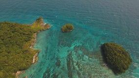 Lagune mit Türkiswasser stock footage
