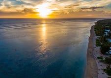 Lagune u. Strand an salzigen les bains von Reunion Island lizenzfreies stockfoto