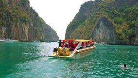 Lagune van Phi Phi Leh Island, Ao Nang, Krabi, Thailand stock video