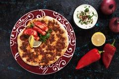 Lahmacun, турецкая пицца мяса Стоковые Фотографии RF