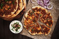 Lahmajun, турецкая пицца мяса Стоковые Изображения