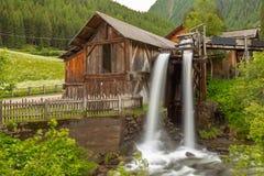 Lahner Saege, ett historiskt sågverk, Ulten dal, södra Tyrol, royaltyfri foto