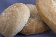 Laibe des selbst gemachten Brotes Lizenzfreie Stockfotografie