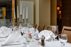 Laid tables reserved for diners Royalty Free Stock Photos