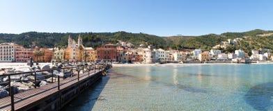 Laigueglia, взгляд от моря стоковые фотографии rf
