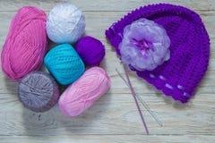 Laine colorée pour le tricotage Image libre de droits
