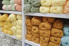 Laine de tricotage Image stock