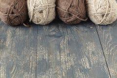 Laine mérinos naturelle pour le tricotage Photos libres de droits