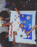 Laissez-nous batik de coloration Photos libres de droits