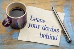 Laissez votre concept de serviette de doutes derrière - Photo stock