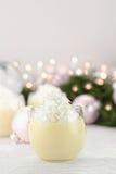 Lait de poule avec la crème fouettée Image stock