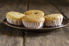 Lait et céréale de gâteau photographie stock libre de droits