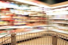 Laiterie de tache floue de supermarché Images libres de droits