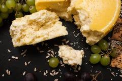 Laiterie locale rustique Lait et fromage Image libre de droits