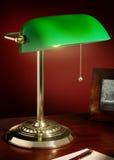 Laiton de la lampe du banquier photographie stock