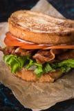 Laitue de lard et sandwich à tomate Images stock