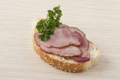 Laitue et sandwich au jambon simples Images stock