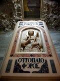 Laje do túmulo embelezada com Saint George Carved Icon fotografia de stock royalty free