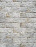 Lajes decorativas do revestimento do relevo que imitam pedras na parede Fotografia de Stock
