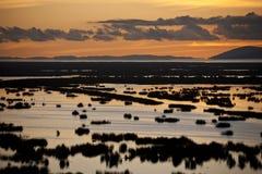 lake över peru solnedgångtiticaca Fotografering för Bildbyråer