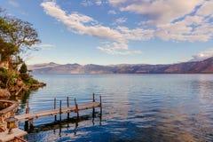 Lake Atitlan i Guatemala Royaltyfria Foton