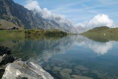 Lake av Trübsee på Engelberg Arkivbilder