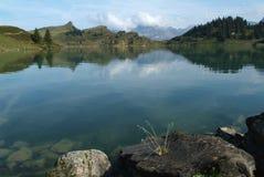 Lake av Trübsee på Engelberg Royaltyfri Foto