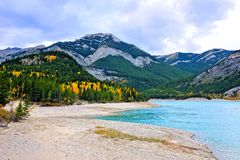 Lake in the Canadian Rocky Mountains during autumn Stock Photos
