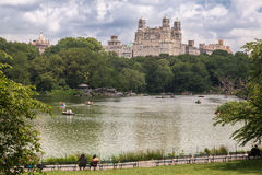 The Lake Central Park and The Beresford New York Royalty Free Stock Images