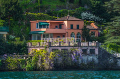 Lake Como 8. Lake Como has beautiful housing and estates surrounded by lush forrest and mountains Royalty Free Stock Images