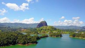 Lake del Penol y la Colombia de piedra homónima metrajes